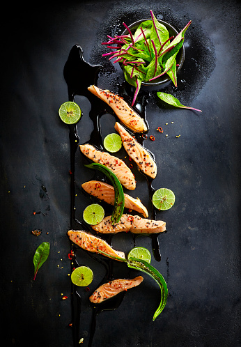 Fish「Foodart, fried salmon, lime, black sesame, chard, red chili and green chili pepper」:スマホ壁紙(13)
