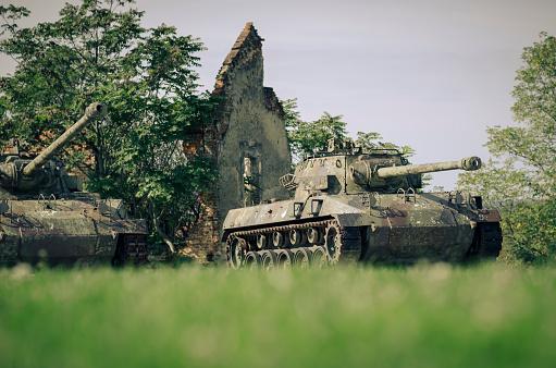 Military「Croatia, Karlovac, war memorial, tanks」:スマホ壁紙(3)