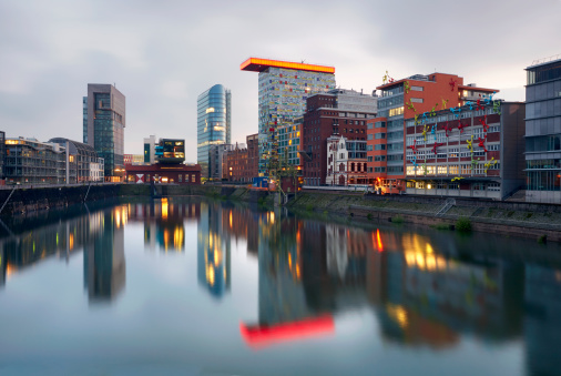 Postmodern「Dusseldorf Mediahafen at dusk」:スマホ壁紙(8)