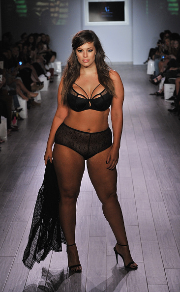 ファッションモデル「Addition Elle Presents Fall/Holiday 2015 RTW And Ashley Graham Lingerie Collection - Spring 2016 Style360」:写真・画像(1)[壁紙.com]