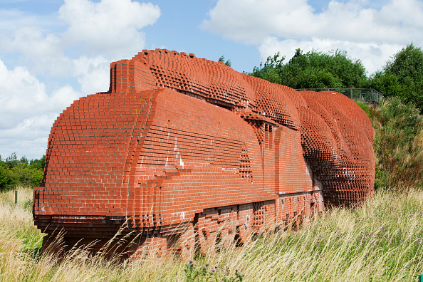 2009「The Train, a sculpture made entirely of bricks, 181, 754 to be precise, by the artist, David Mach on the outskirts of Darlington, North East, UK」:写真・画像(12)[壁紙.com]