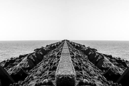 Ijmuiden「Imaginary tongue of land in the North Sea.」:スマホ壁紙(16)