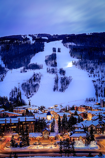 Ski Resort「Vail Village at dusk, Colorado, America, USA」:スマホ壁紙(13)