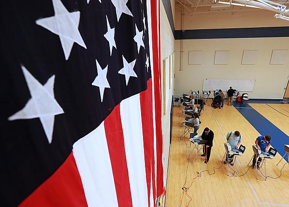 2016年アメリカ大統領選挙「Nation Goes To The Polls In Contentious Presidential Election Between Hillary Clinton And Donald Trump」:写真・画像(3)[壁紙.com]