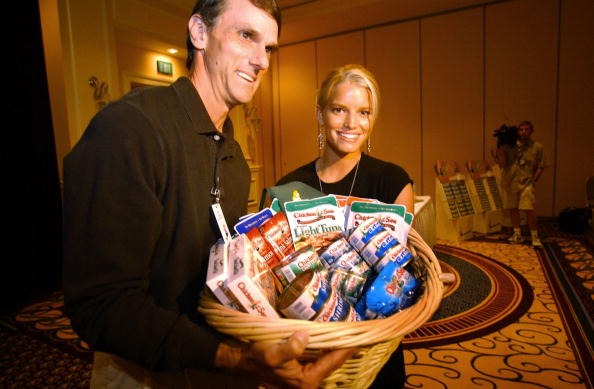 Sandy Huffaker「Jessica Simpson Visits Chicken Of The Sea Conference」:写真・画像(17)[壁紙.com]
