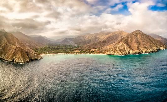 Shallow「Panoramic aerial view of Chuao bay, Caribbean Sea Venezuela」:スマホ壁紙(7)