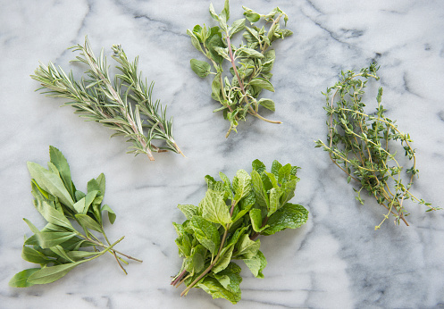 Rosemary「Bunches of various herbs on marble background」:スマホ壁紙(0)