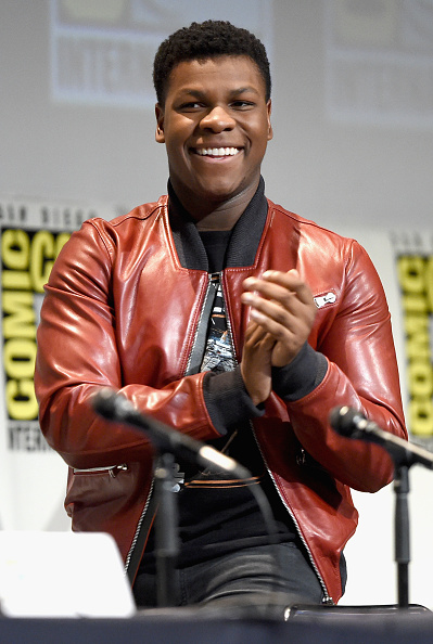 Star Wars Series「Star Wars: The Force Awakens Panel At San Diego Comic Con - Comic-Con International 2015」:写真・画像(18)[壁紙.com]