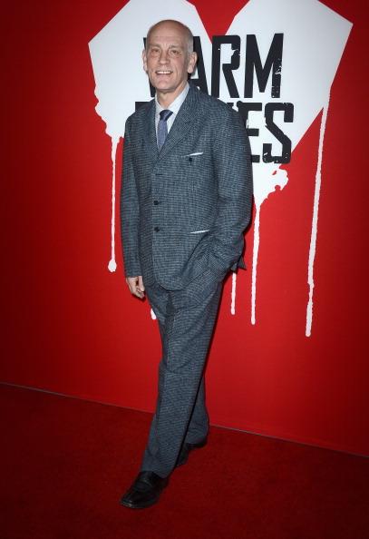 "Checked Suit「Premiere Of Summit Entertainment's ""Warm Bodies""-Arrivals」:写真・画像(16)[壁紙.com]"