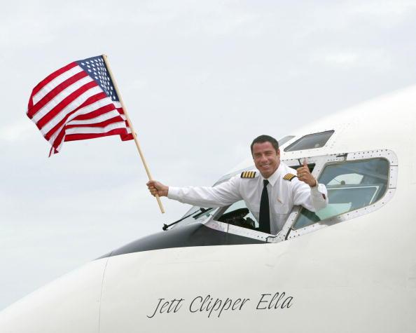 Pilot「John Travolta Pilots 737 Into New York 」:写真・画像(7)[壁紙.com]
