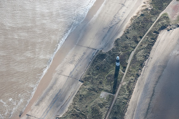 Power Supply「Disused Lighthouse And Remains Of The Coastal Battery」:写真・画像(10)[壁紙.com]