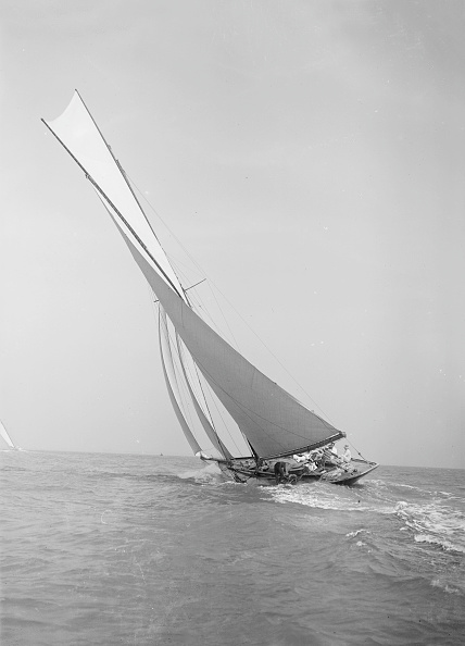Cutting「The 45 Ton Cutter Camellia Sailing Close-Hauled」:写真・画像(3)[壁紙.com]