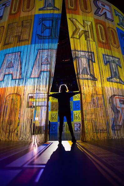 Ian Gavan「'Curtain Call' At The Roundhouse - Photocall」:写真・画像(8)[壁紙.com]