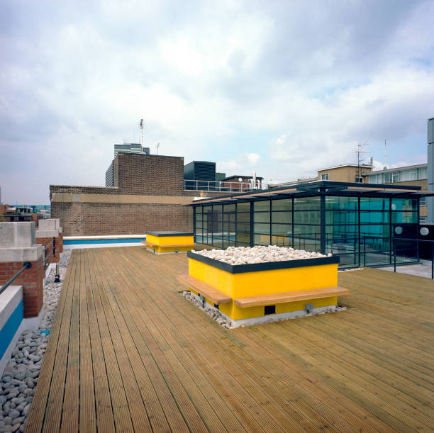 Floor deck on a rooftop, London.:ニュース(壁紙.com)