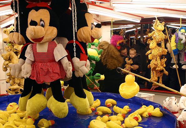 Mickey Mouse「Fairground, 2005」:写真・画像(12)[壁紙.com]