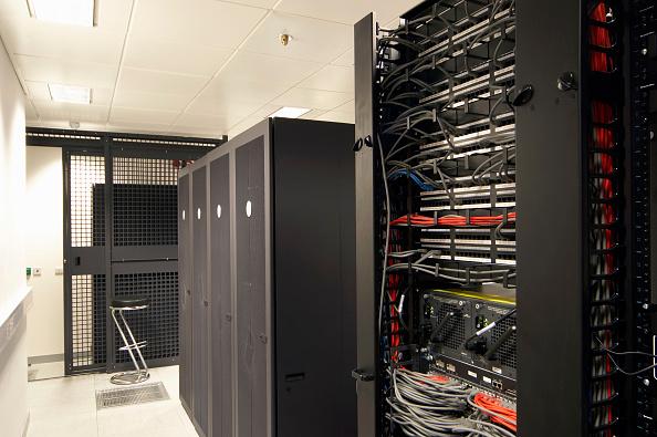 Data Center「Office computer server room」:写真・画像(15)[壁紙.com]