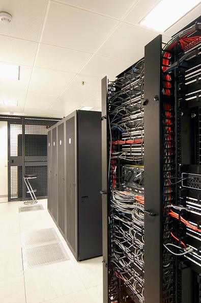 Data Center「Office computer server room」:写真・画像(9)[壁紙.com]