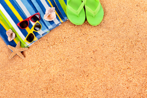 Sunglasses「Beach background or border with sunglasses」:スマホ壁紙(9)
