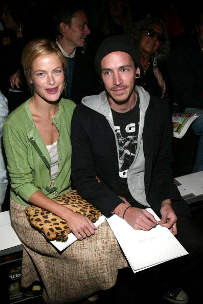 Armory「NYC: Marc Jacobs - Fall 2004 - Front Row」:写真・画像(19)[壁紙.com]