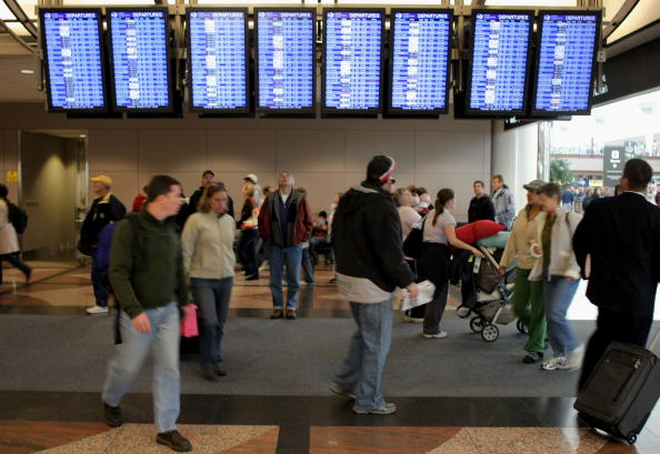 Holiday - Event「Thanksgiving Travelers Brave One Of Busiest Travel Day Of Year」:写真・画像(18)[壁紙.com]