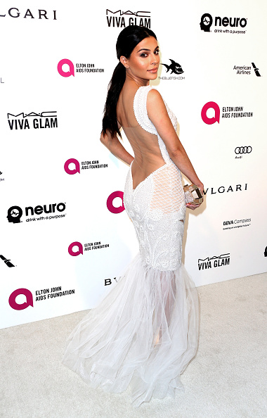 Alternative Pose「24th Annual Elton John AIDS Foundation's Oscar Viewing Party - Arrivals」:写真・画像(15)[壁紙.com]