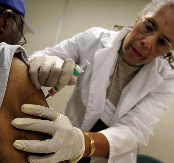 季節「Chicago Begins Giving Out Annual Flu Shots」:写真・画像(11)[壁紙.com]