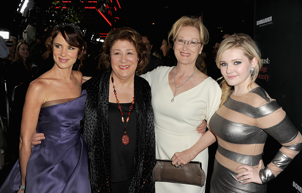 アビゲイル ブレスリン「Premiere Of The Weinstein Company's 'August: Osage County' - Red Carpet」:写真・画像(2)[壁紙.com]
