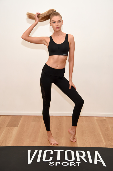 Sport「Train Like A Victoria's Secret Angel With Stella Maxwell At Sky Ting Yoga」:写真・画像(18)[壁紙.com]