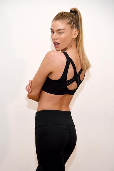 Victoria's Secret「Train Like A Victoria's Secret Angel With Stella Maxwell At Sky Ting Yoga」:写真・画像(18)[壁紙.com]