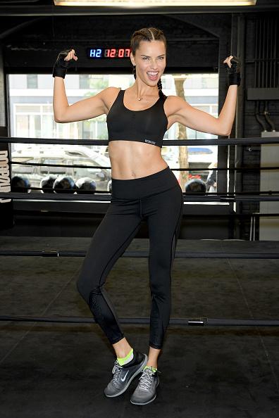 アドリアナ・リマ「Train Like a Victoria's Secret Angel with Adriana Lima at DogPound」:写真・画像(11)[壁紙.com]
