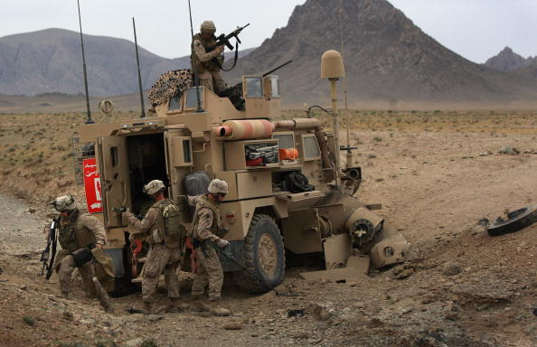 Taliban「U.S. Military Launches Major Attack on Taliban In Helmand Province」:写真・画像(3)[壁紙.com]