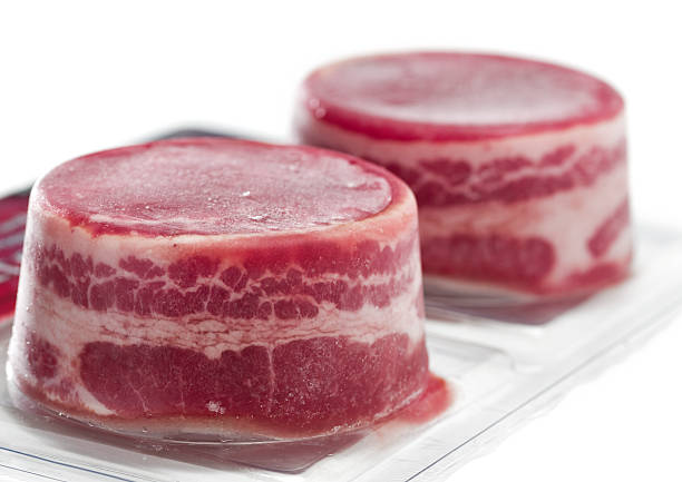 Vacuum packed frozen beef fillets:スマホ壁紙(壁紙.com)