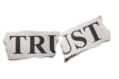 Broken「The word trust printed on paper torn in half」:スマホ壁紙(12)