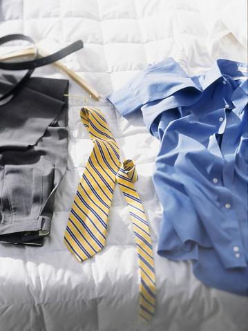 Belt「Wardrobe on bed」:スマホ壁紙(9)