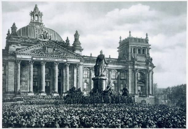 Philipp Scheidemann Announcing The Creation Of A New German Republic 9th November 1918:ニュース(壁紙.com)
