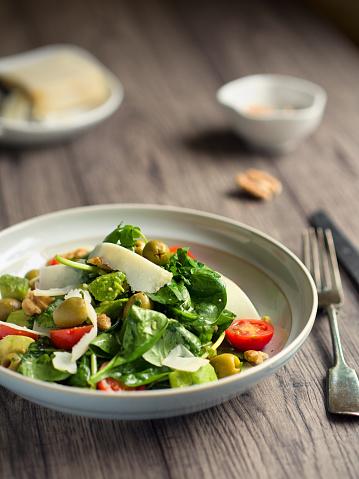 胡桃「健康なサマーサラダ」:スマホ壁紙(1)