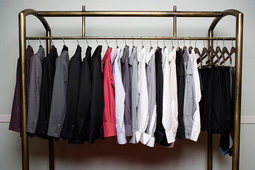 豊富「Clothes on rack, close-up」:スマホ壁紙(6)
