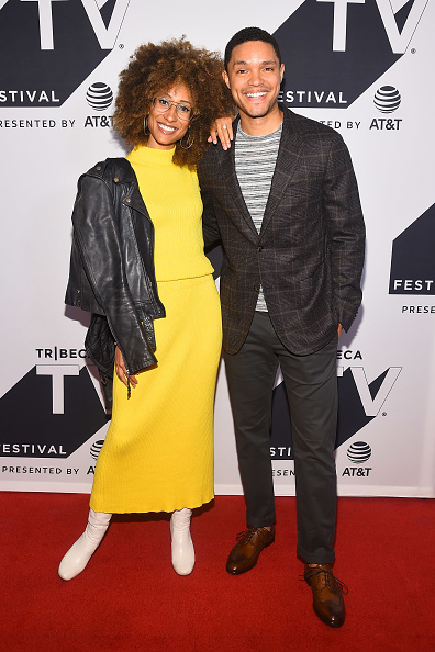 Two People「Tribeca TV Festival Conversation With Trevor Noah And The Writers Of The Daily Show」:写真・画像(19)[壁紙.com]