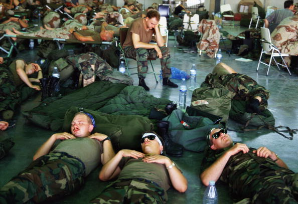 Tired「Persian Gulf War」:写真・画像(8)[壁紙.com]