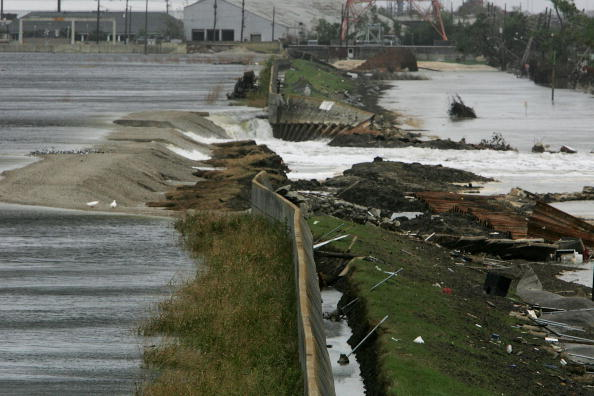 Justin Sullivan「New Orleans Feels Effects Of Hurricane Rita」:写真・画像(14)[壁紙.com]