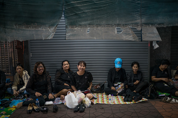 Waiting「Preparations For Thailand's King Bhumibol Funeral」:写真・画像(12)[壁紙.com]