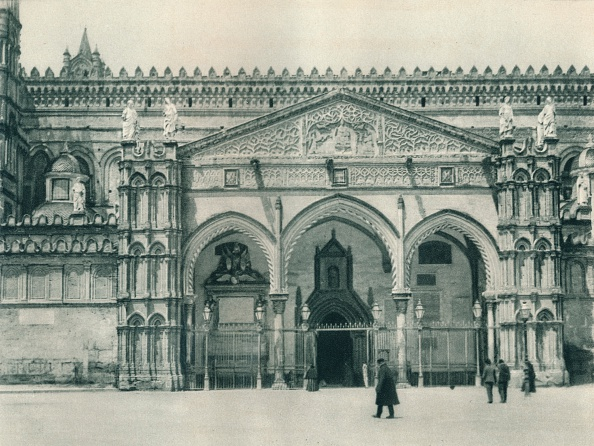 20th Century Style「Main entrance of the Cathedral, Palermo, Sicily, Italy」:写真・画像(11)[壁紙.com]