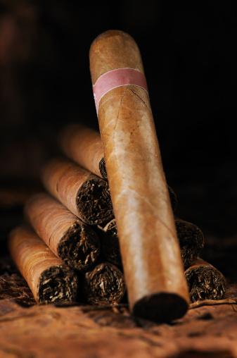 Cuban Culture「A pyramid stack of Cuban cigars」:スマホ壁紙(1)