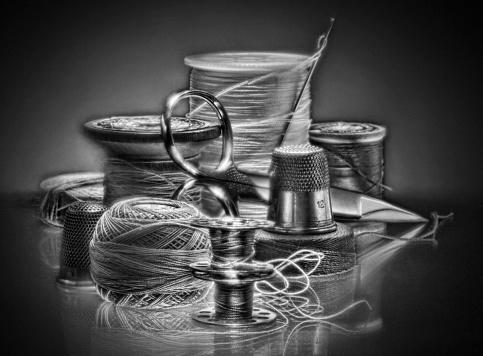 モノクロ「Thread and spools, BW」:スマホ壁紙(1)