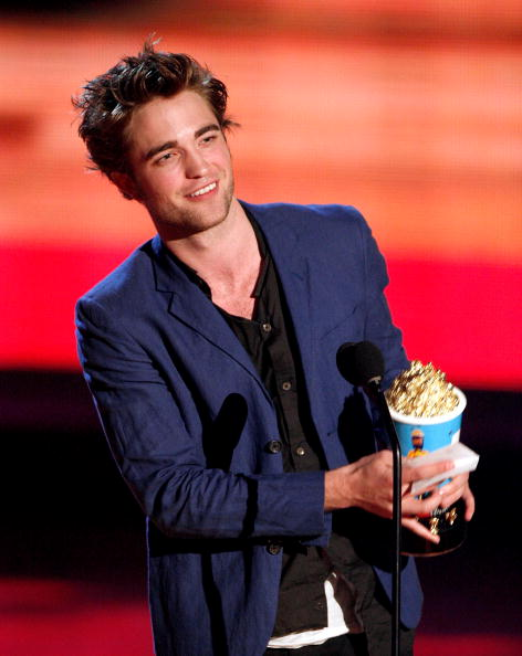 Robert Pattinson「18th Annual MTV Movie Awards - Show」:写真・画像(6)[壁紙.com]