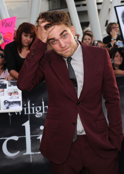 Robert Pattinson「Premiere Of Summit Entertainment's 'The Twilight Saga: Eclipse' - Arrivals」:写真・画像(4)[壁紙.com]