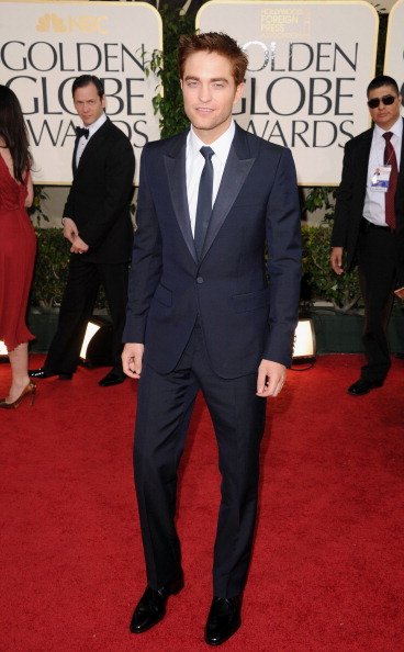 Robert Pattinson「68th Annual Golden Globe Awards - Arrivals」:写真・画像(3)[壁紙.com]