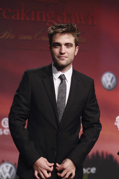 Robert Pattinson「Twilight Saga: 'Breaking Dawn - Biss Zum Ende Der Nacht' - Germany Premiere」:写真・画像(11)[壁紙.com]