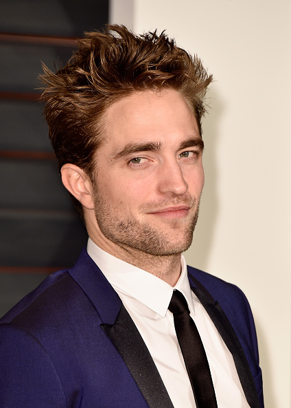 ロバート・パティンソン「2015 Vanity Fair Oscar Party Hosted By Graydon Carter - Arrivals」:写真・画像(7)[壁紙.com]