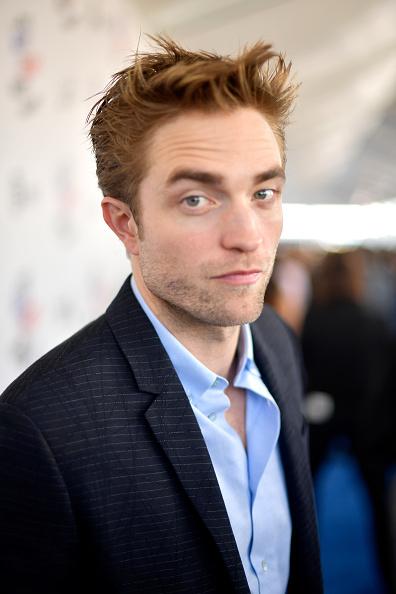 Robert Pattinson「2018 Film Independent Spirit Awards  - Red Carpet」:写真・画像(10)[壁紙.com]